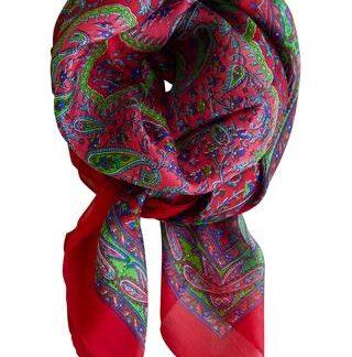 Klassisk rødt silketørklæde