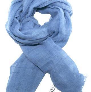 Skønt blåt tørklæde i fin kvalitet