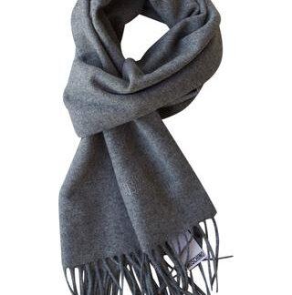 Gråt tørklæde i 100% lambswool fra Moschino