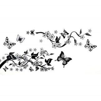 Elegant wallsticker med sommerfugle ved et træ. 70x50cm.