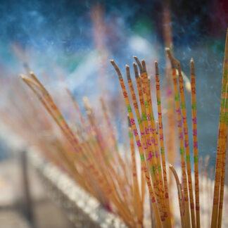 Intense Incense af Julie Aucoin